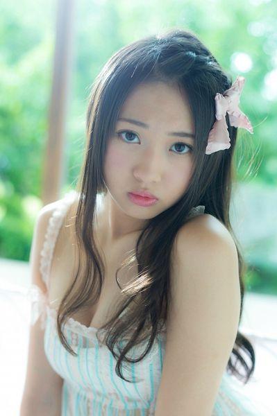 Tags: J-Pop, AKB48, Kizaki Yuria, Cleavage