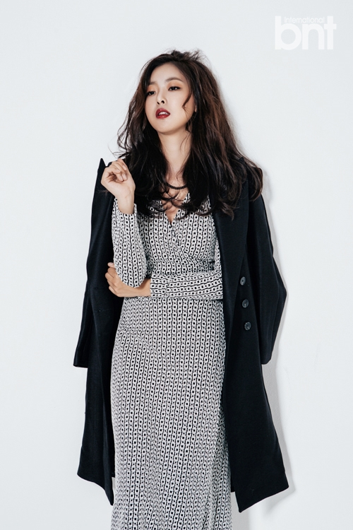 Tags: K-Drama, Ko Won-hee, Serious, Coat, Spotted Dress, Red Lips, Black Eyes, Light Background, White Background, Spotted, International Bnt, Android/iPhone Wallpaper