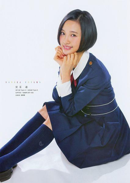 Tags: J-Pop, HKT48, AKB48, Kodama Haruka, Light Background, Pleated Skirt, Socks, Text: Calendar Date, White Background, Black Footwear, Skirt, Knee Socks
