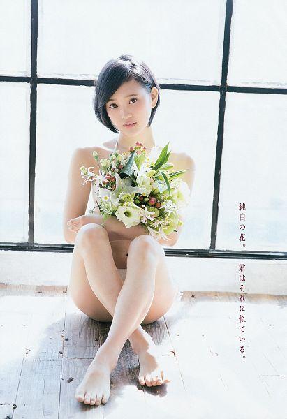Tags: J-Pop, HKT48, Kodama Haruka, Feet, Bikini, Japanese Text, Suggestive, Bouquet, Flower, Scan, Android/iPhone Wallpaper, Magazine Scan