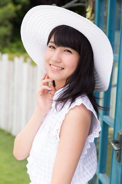 Tags: J-Pop, AKB48, Kojima Mako, Hat, Magazine Scan