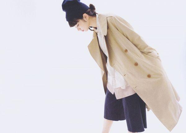Tags: Dorama, Komatsu Nana, Light Background, White Background, Coat, Looking Down, Shorts, Hair Up, Hat, Soup, Scan