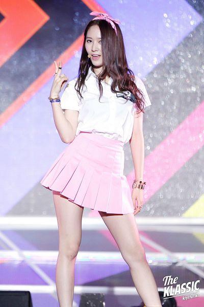 Tags: K-Pop, f(x), Krystal Jung, Ring, Bow, Bracelet, Pleated Skirt, Hair Bow, Skirt, Bare Legs, Pink Skirt, Hair Ornament