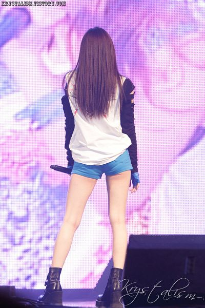 Tags: K-Pop, f(x), Krystal Jung, Fingerless Gloves, Gloves, Boots, Blue Shorts, Shoes, Blue Gloves, Suggestive, Black Footwear, Butt