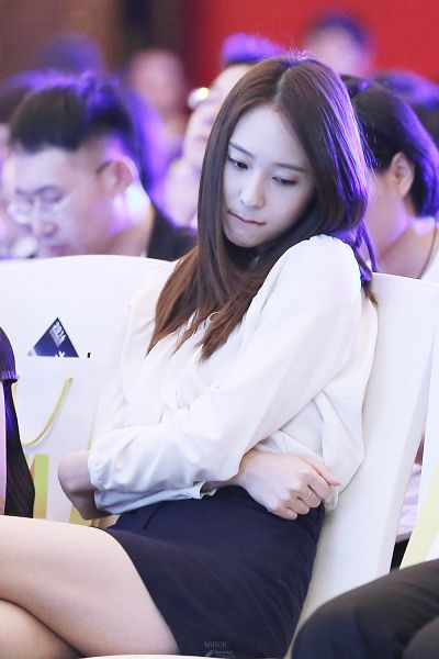 Tags: K-Pop, f(x), Krystal Jung, Crossed Legs, Shorts, Bare Legs, Looking Down, Couch, Crossed Arms, Black Shorts, Sitting On Couch, Biting Lip