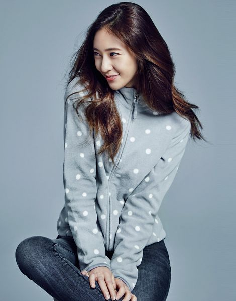 Tags: K-Pop, f(x), Krystal Jung, Gray Jacket, Looking Away, Jeans, Spotted, Hand On Leg, Gray Outerwear, Blue Background