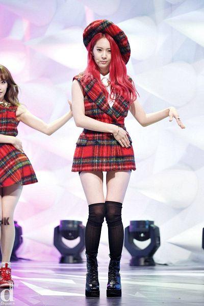Tags: K-Pop, f(x), Rum Pum Pum Pum, Krystal Jung, Boots, Checkered Dress, Checkered Hat, Hand On Hip, Socks, Checkered, Black Footwear, Red Hair