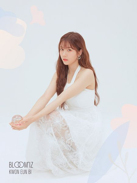 Tags: K-Pop, IZ*ONE, Kwon Eunbi, White Background, Serious, White Dress, White Outfit, Light Background