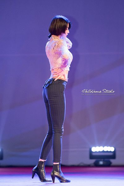 Tags: K-Pop, Hello Venus, Kwon Nara, Hand On Hip, Hand On Neck, Midriff, High Heels, Striped, Black Pants, Boots, High Heeled Boots, Side View