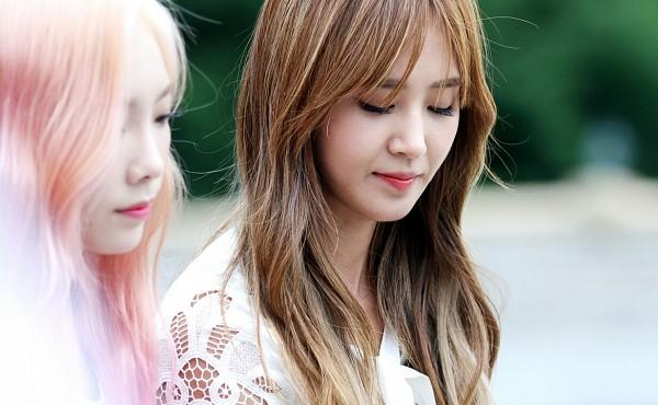 Tags: K-Pop, SM Town, Girls' Generation, Kwon Yuri, Kim Tae-yeon, Eyes Closed