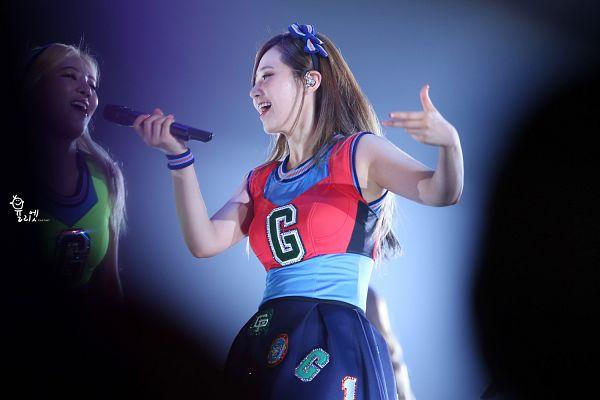 Tags: K-Pop, Girls' Generation, Kwon Yuri, Black Skirt, Skirt, Blue Shirt, Girls' Generation First Japan Tour, Wallpaper