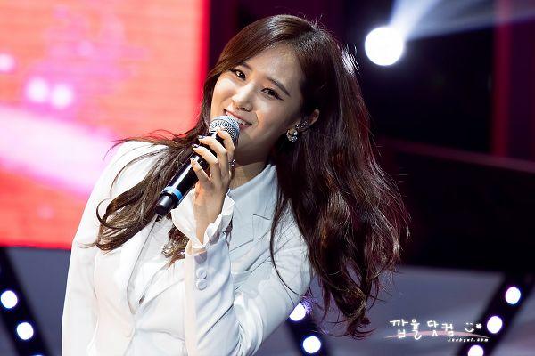 Tags: K-Pop, Girls' Generation, Kwon Yuri, White Outerwear, White Jacket, White Outfit, Kkabyul