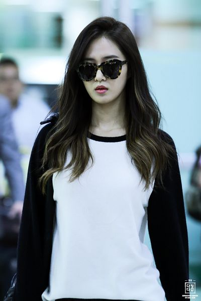 Tags: Girls' Generation, Kwon Yuri, Airport, Sunglasses