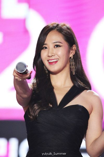 Tags: K-Pop, Girls' Generation, Kwon Yuri, Bare Shoulders, Black Dress, Sleeveless Dress, Sleeveless, Hold Out Hand, Black Outfit, Yulyulk Summer, Android/iPhone Wallpaper