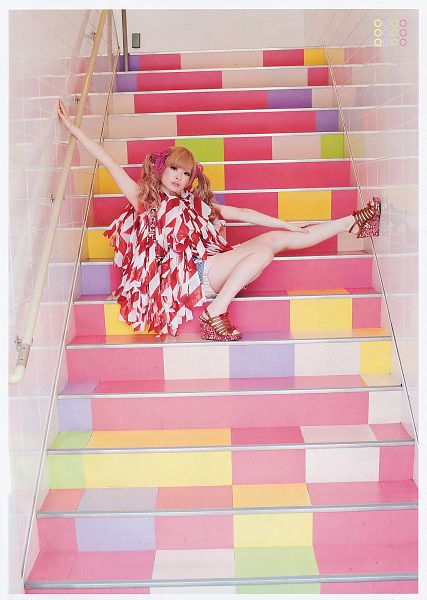Tags: J-Pop, Kyary Pamyu Pamyu, Blue Shorts, White Outfit, Hand On Leg, Shorts, Pink Headwear, Red Outfit, Twin Tails, Bare Legs, High Heels, Red Footwear