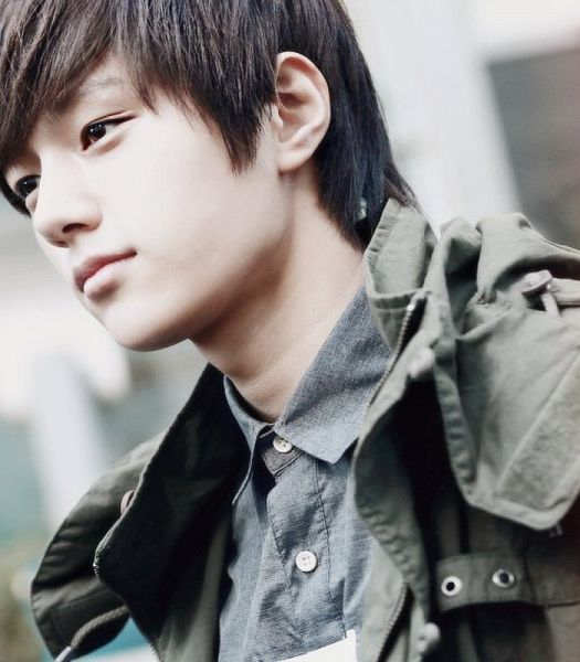 Tags: K-Pop, Infinite, L, White Background, Gray Outerwear, Gray Jacket, Close Up, Gray Shirt, Light Background