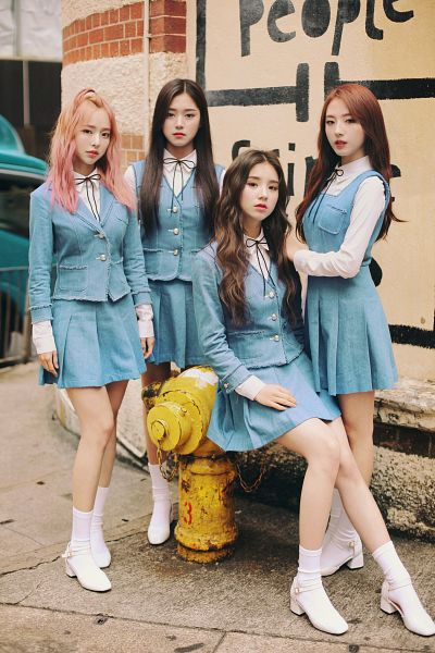 Tags: K-Pop, LOOΠΔ, Jo Haseul, Kim Hyunjin, Jeon Heejin, Vivi (LOOΠΔ), Socks, White Footwear, Pink Hair, High Heels, Sleeveless Dress, Quartet