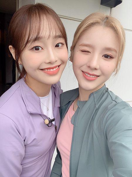 Tags: K-Pop, LOOΠΔ, Jeon Heejin, Chuu