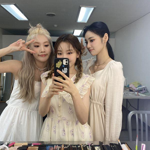 Tags: K-Pop, LOOΠΔ, Jung Jinsoul, Kim Lip, Go Won