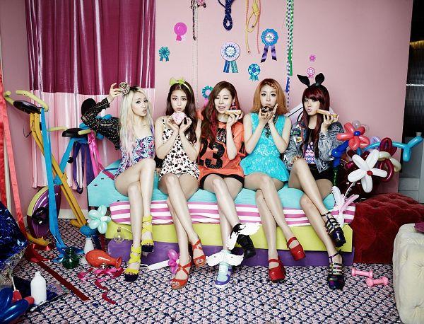 Tags: K-Pop, Ladies Code, Pretty Pretty, RiSe, Ashley, EunB, Zuny, Lee So-jung, Quintet, Full Group, Full Body, Crossed Legs