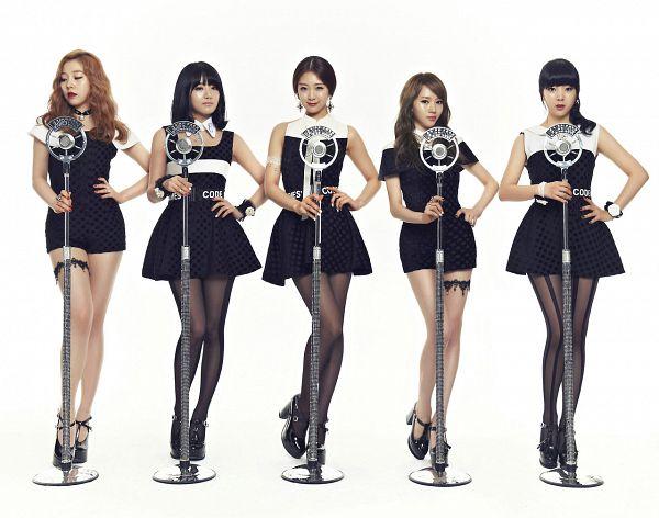 Tags: K-Pop, Ladies Code, So Wonderful, Lee So-jung, RiSe, Ashley, EunB, Zuny, Black Dress, Black Outfit, Hand On Hip, Light Background