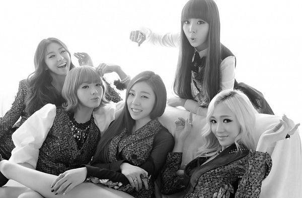 Tags: K-Pop, Ladies Code, EunB, Zuny, RiSe, Lee So-jung, Ashley, Five Girls, White Background, Group, Quintet, Monochrome