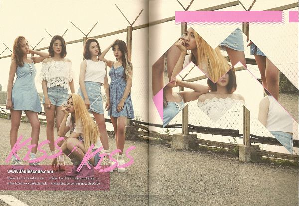 Tags: K-Pop, Ladies Code, Ashley, EunB, Zuny, RiSe, Lee So-jung, Five Girls, Shorts, Arm Around Shoulder, Denim Dress, Jeans