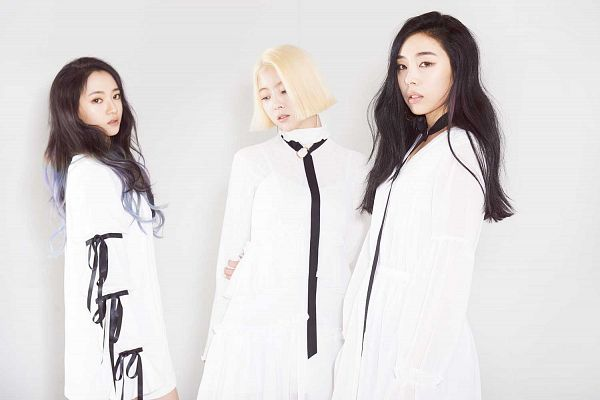 Tags: K-Pop, Ladies Code, Lee So-jung, Ashley, Zuny, White Background, Trio, White Dress, White Outfit, Looking Away, Hand On Arm, Light Background