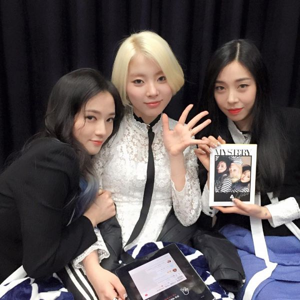 Tags: K-Pop, Ladies Code, Zuny, Lee So-jung, Ashley, Three Girls, Trio, Full Group