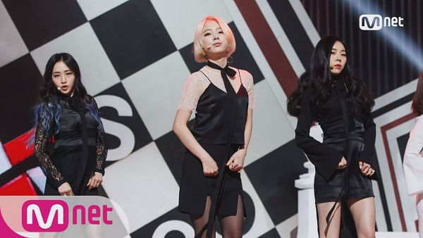 Tags: K-Pop, Ladies Code, Zuny, Lee So-jung, Ashley, Leather Skirt, Trio, Looking Up, Blonde Hair, Black Neckwear, Black Shirt, Medium Hair