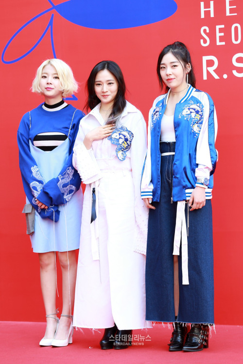 Tags: K-Pop, Ladies Code, Zuny, Lee So-jung, Ashley, High Heeled Boots, Blue Outerwear, Boots, Black Footwear, White Outerwear, Striped Shirt, White Footwear