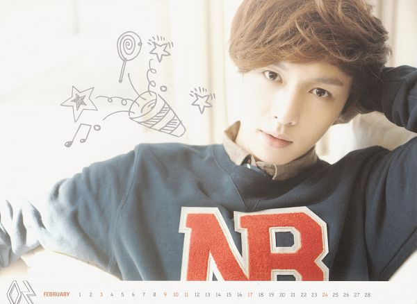 Tags: K-Pop, EXO, Lay, Lollipop, Music Note, Star (Symbol), Text: Calendar Date, Sweater, Hand In Hair, Gray Outerwear, Candy, Light Background
