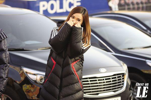 Tags: K-Pop, EXID, Le, Black Outerwear, Heart Gesture, Wallpaper