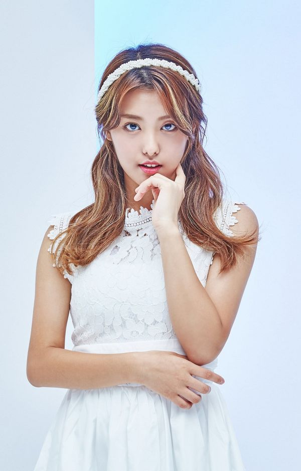 Tags: Momoland, Lee Ahin, White Outfit, Light Background, White Headwear, White Background, Hairband, White Dress, Chin In Hand, Android/iPhone Wallpaper