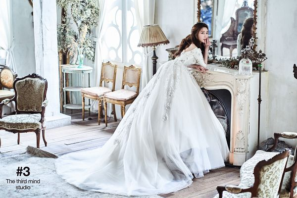 Tags: K-Pop, T-ara, Lee Areum, Table, Window, Fireplace, Wedding Dress, Carpet, Mirror, Curtain, White Outfit, Lamp