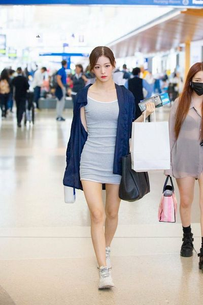 Tags: K-Pop, fromis 9, Lee Chae-young, Airport, Cardigan, Gray Dress, Sneakers, White Footwear, Walking, Bare Legs, Hair Up, Blue Outerwear