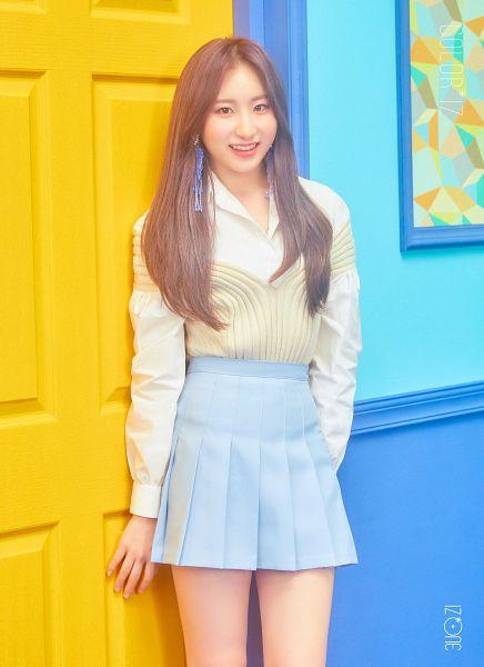 Tags: K-Pop, IZ*ONE, Lee Chaeyeon, Skirt, Pleated Skirt, Door, Blue Skirt