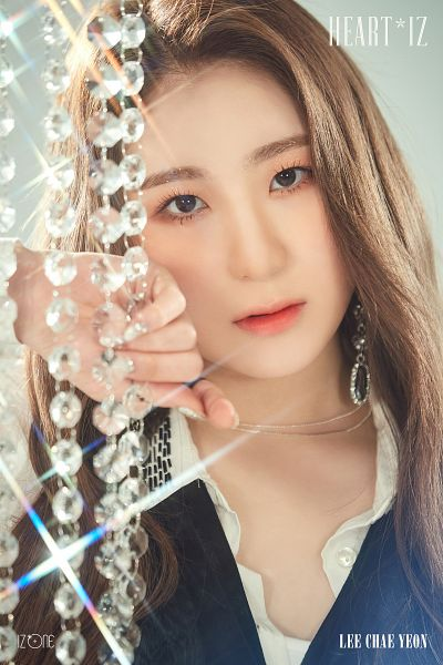 Tags: K-Pop, IZ*ONE, Lee Chaeyeon, Make Up, Black Shirt, Text: Artist Name, Text: Album Name, Necklace, Nail Polish, Twitter