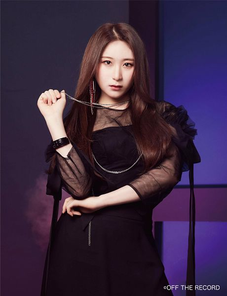 Tags: K-Pop, IZ*ONE, Lee Chaeyeon, Black Dress, Serious, Necklace, Make Up, Black Outfit