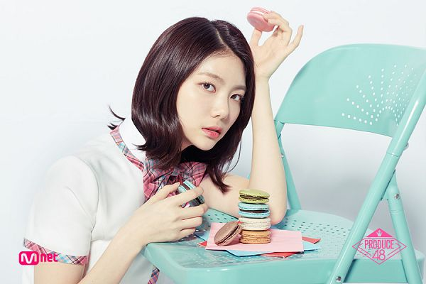 Tags: Television Show, K-Pop, After School, Lee Gaeun, Checkered Bow, Hand In Hair, Macaron, Short Sleeves, Sweets, Light Background, White Background, Holding Object