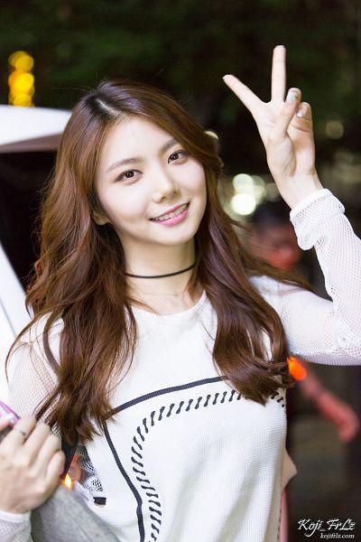 Tags: K-Pop, After School, Lee Gaeun, Lizzy, Choker, V Gesture, Koji Frlz