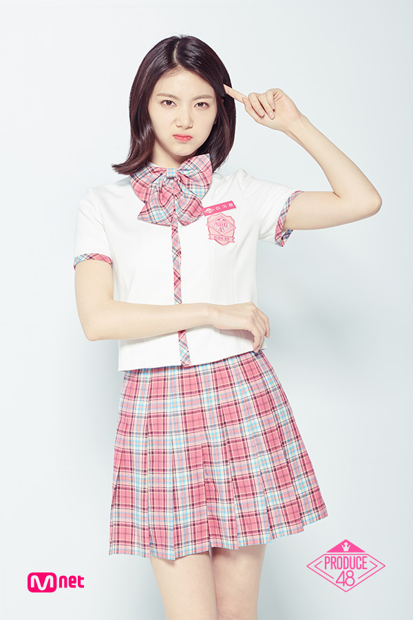 Tags: Television Show, K-Pop, After School, Lee Gaeun, Checkered Bow, Hand In Hair, Checkered, Pink Skirt, Light Background, Short Sleeves, Checkered Neckwear, White Background
