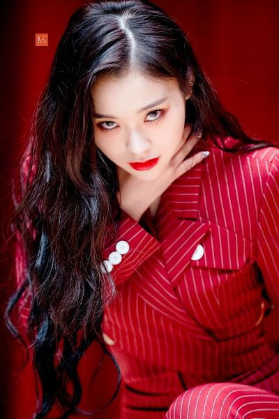 Tags: K-Pop, Dreamcatcher, Lee Gahyeon, Red Pants, Red Background, Striped Pants, Nail Polish, Hand On Neck, Red Lips, Red Jacket, Make Up, Red Outerwear