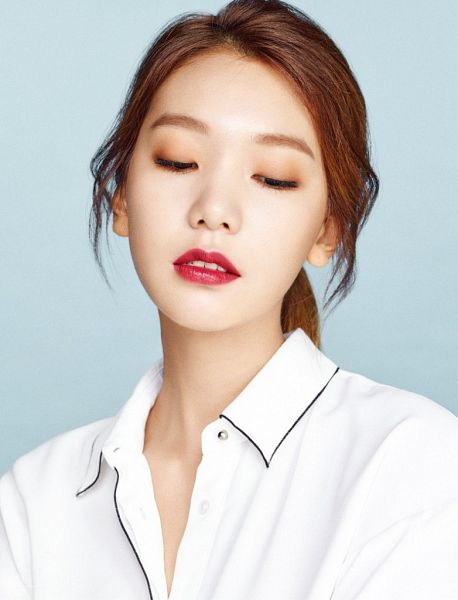 Tags: K-Drama, Fashion, Lee Ho-jung, Blue Background, Red Hair, Red Lips, Magazine Scan, Allure
