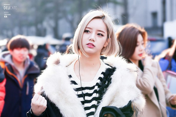 Tags: K-Pop, Girls' Day, Lee Hyeri, Short Hair
