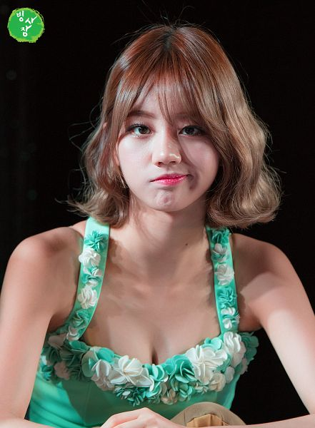Tags: K-Pop, Girls' Day, Lee Hyeri, Black Background, Bare Shoulders, Sleeveless Dress, Cleavage, Dark Background, Sleeveless, Green Shirt, Suggestive, Fansite Request