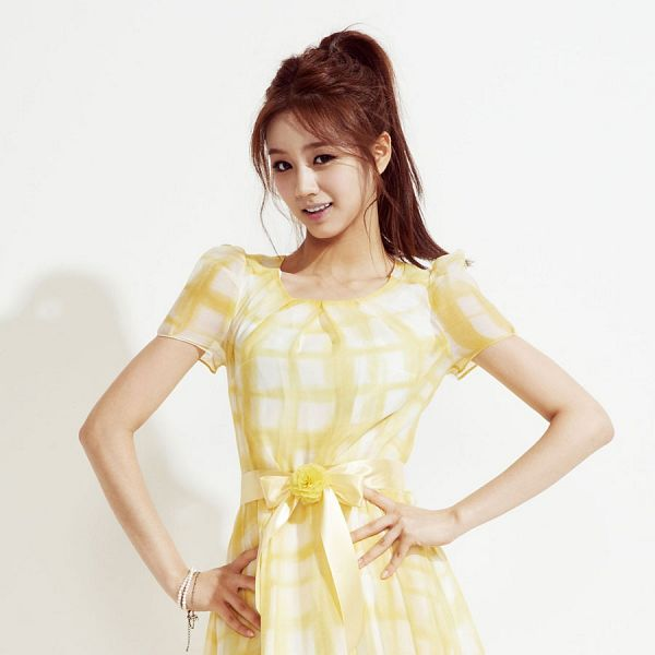 Tags: K-Pop, Girls' Day, Lee Hyeri, Cute, Yellow Outfit, Yellow Dress
