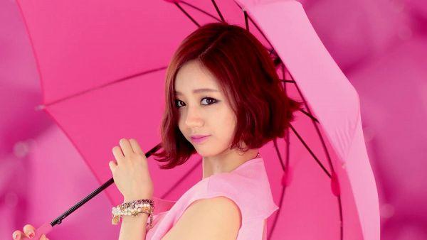 Tags: K-Pop, Girls' Day, Lee Hyeri, Pink Background, Suggestive, Cute, Umbrella, Wallpaper