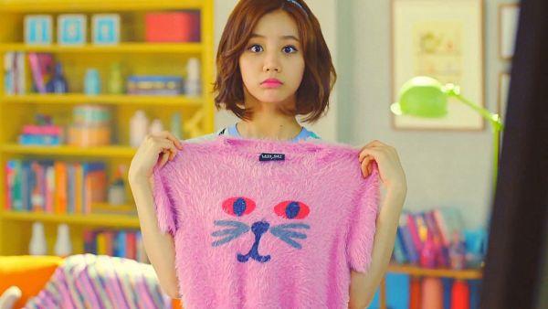 Tags: K-Pop, Girls' Day, Lee Hyeri, Cute, Pink Shirt, Wallpaper, HD Wallpaper