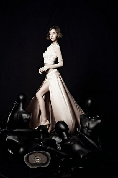 Tags: K-Pop, Girls' Day, Lee Hyeri, White Outfit, Sexy Pose, White Dress, Cute, Suggestive